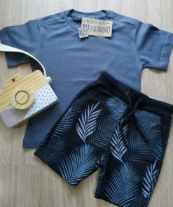Conjunto Infantil bermuda preta estampada camiseta cinza